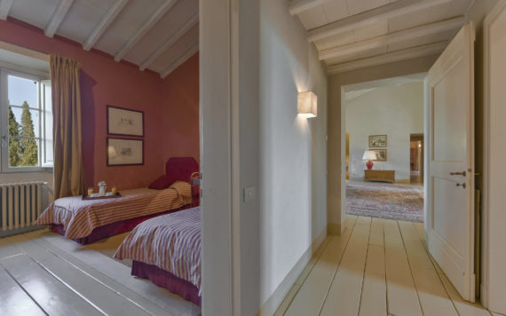 Moscatello Villa Vigna - 2 beds rossa room